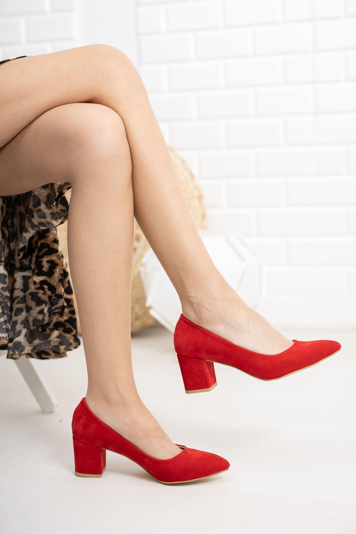 Kırmızı Süet Klasik Topuklu Ayakkabı