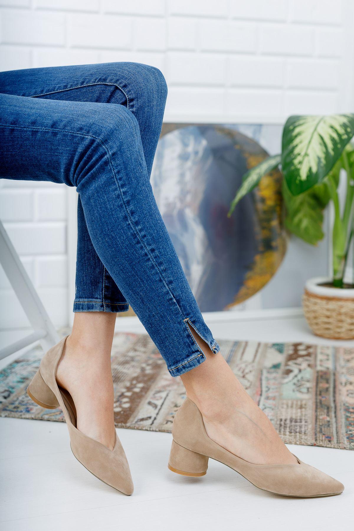 Düz Vizon Süet Köşe Kalıp Klasik Kalın Topuklu Ayakkabı