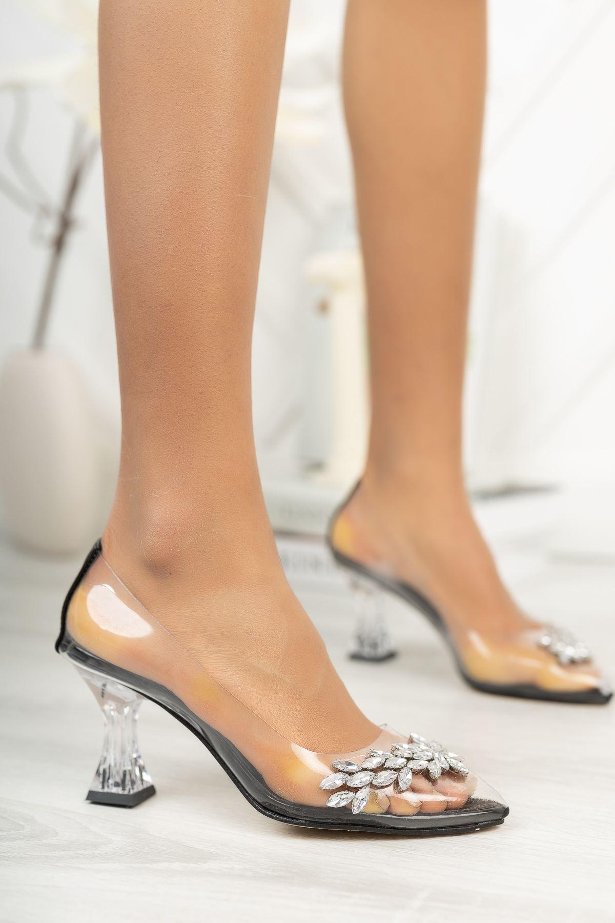 Siyah Rugan Şeffaf Taşlı İnce Topuklu Ayakkabı