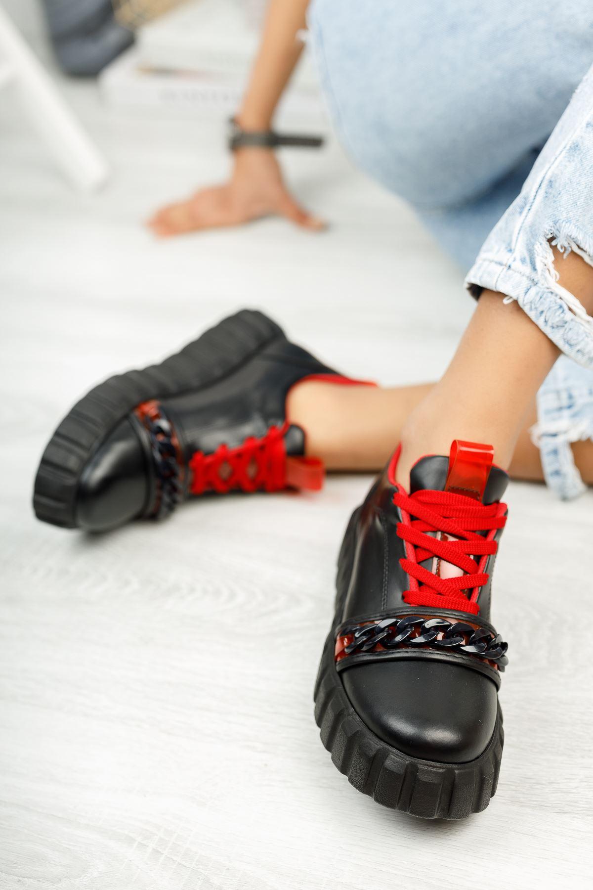 Siyah Kırmızı Zincir Detaylı Spor Ayakkabı
