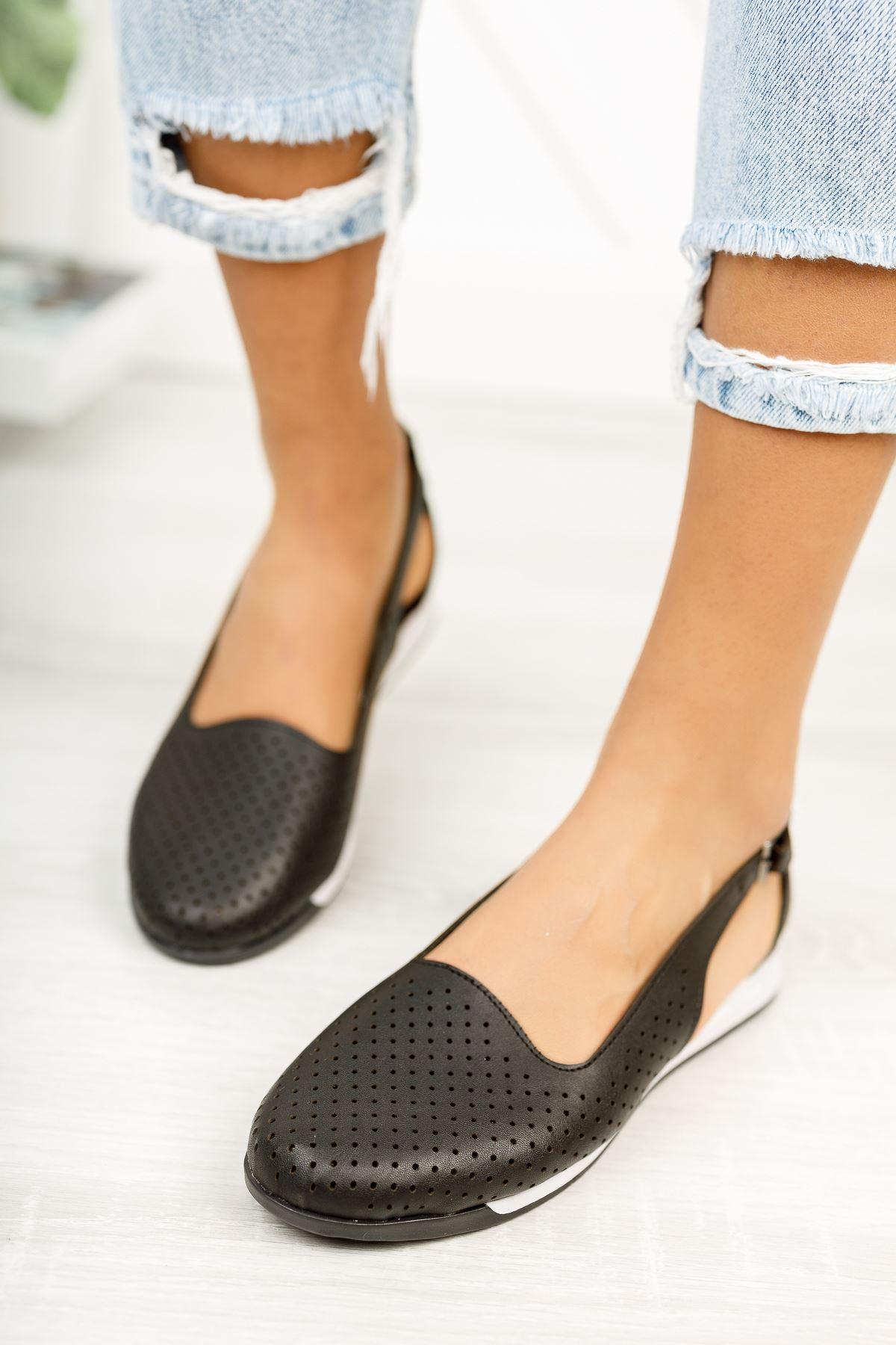 Düz Siyah Delikli Günlük Ayakkabı