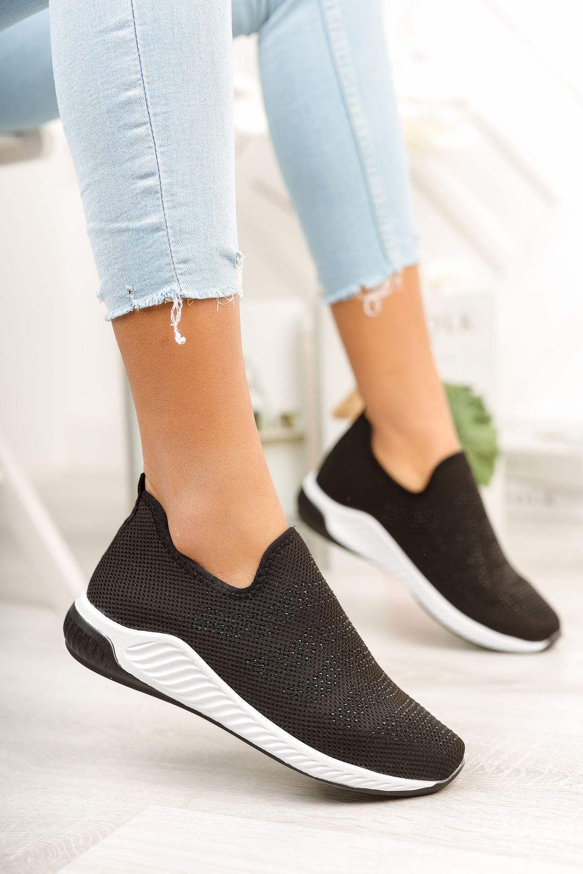 Siyah Taşlı Bağcıksız Triko Spor Ayakkabı
