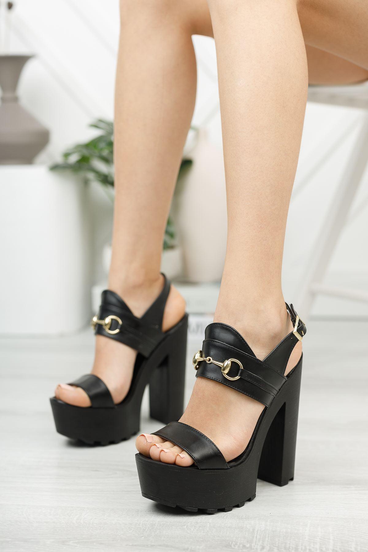 Siyah Yüksek Platform Topuklu Ayakkabı