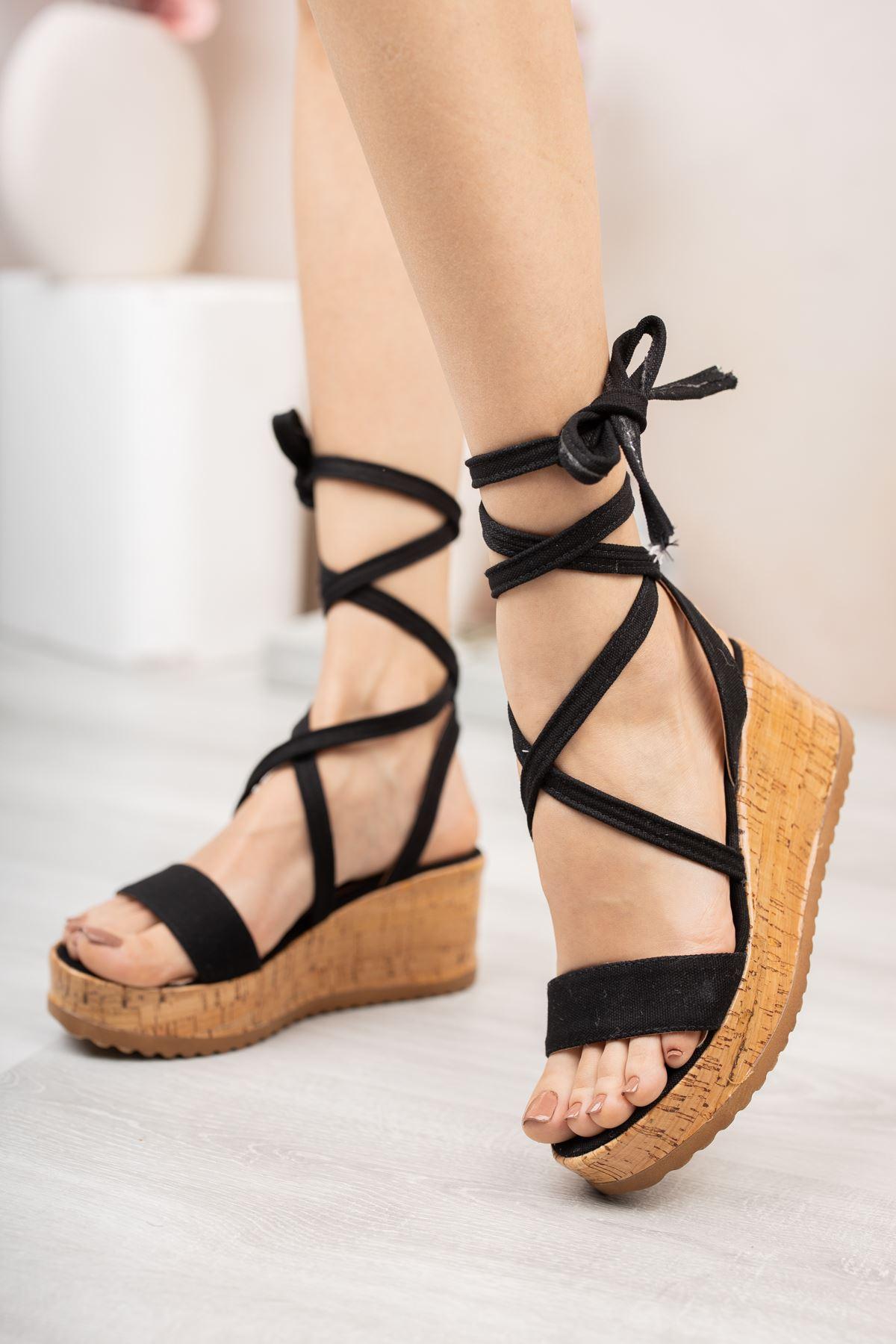 Siyah Keten Bilekten Bağlamalı Dolgu Topuk Sandalet