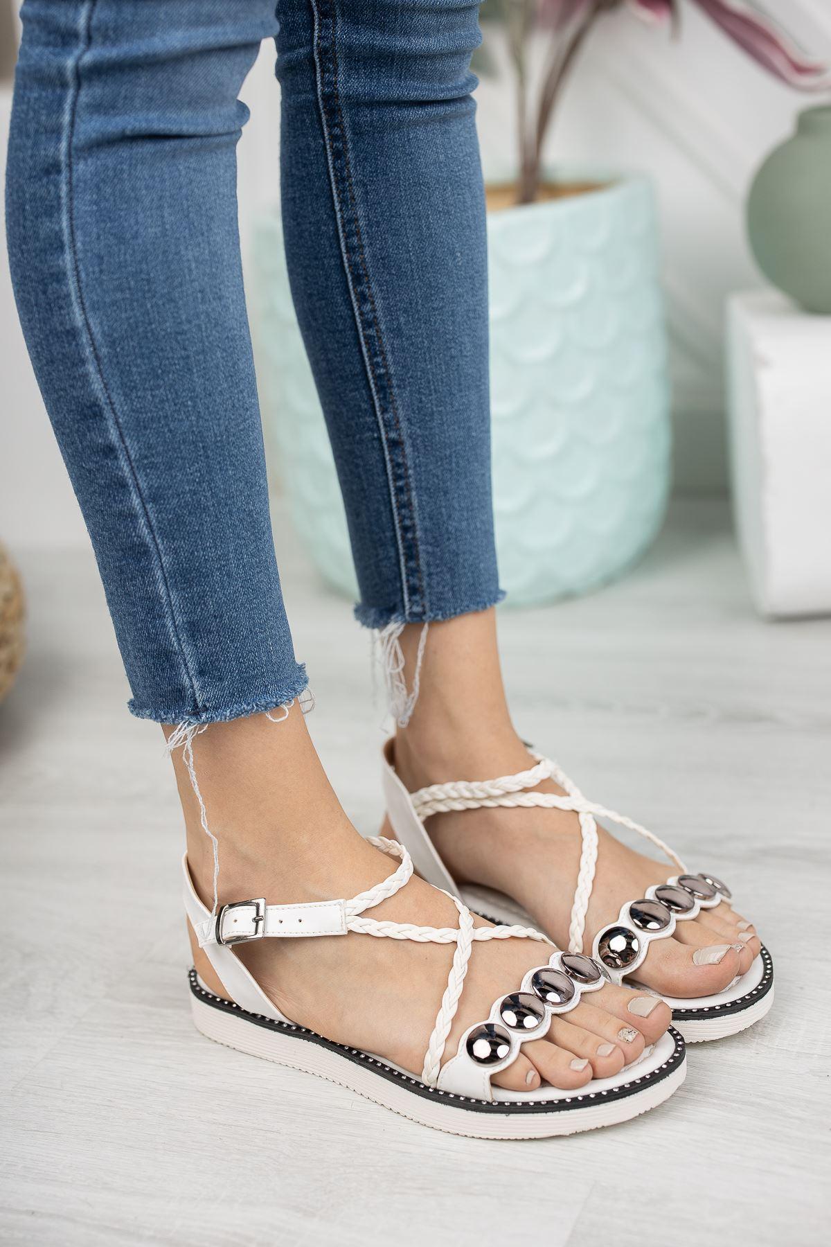 Beyaz Düz Taban Sandalet
