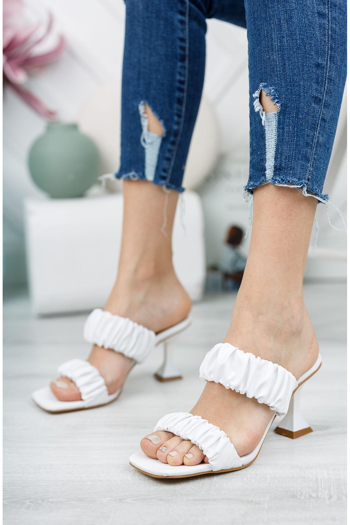 Beyaz 7 cm Topuklu Terlik