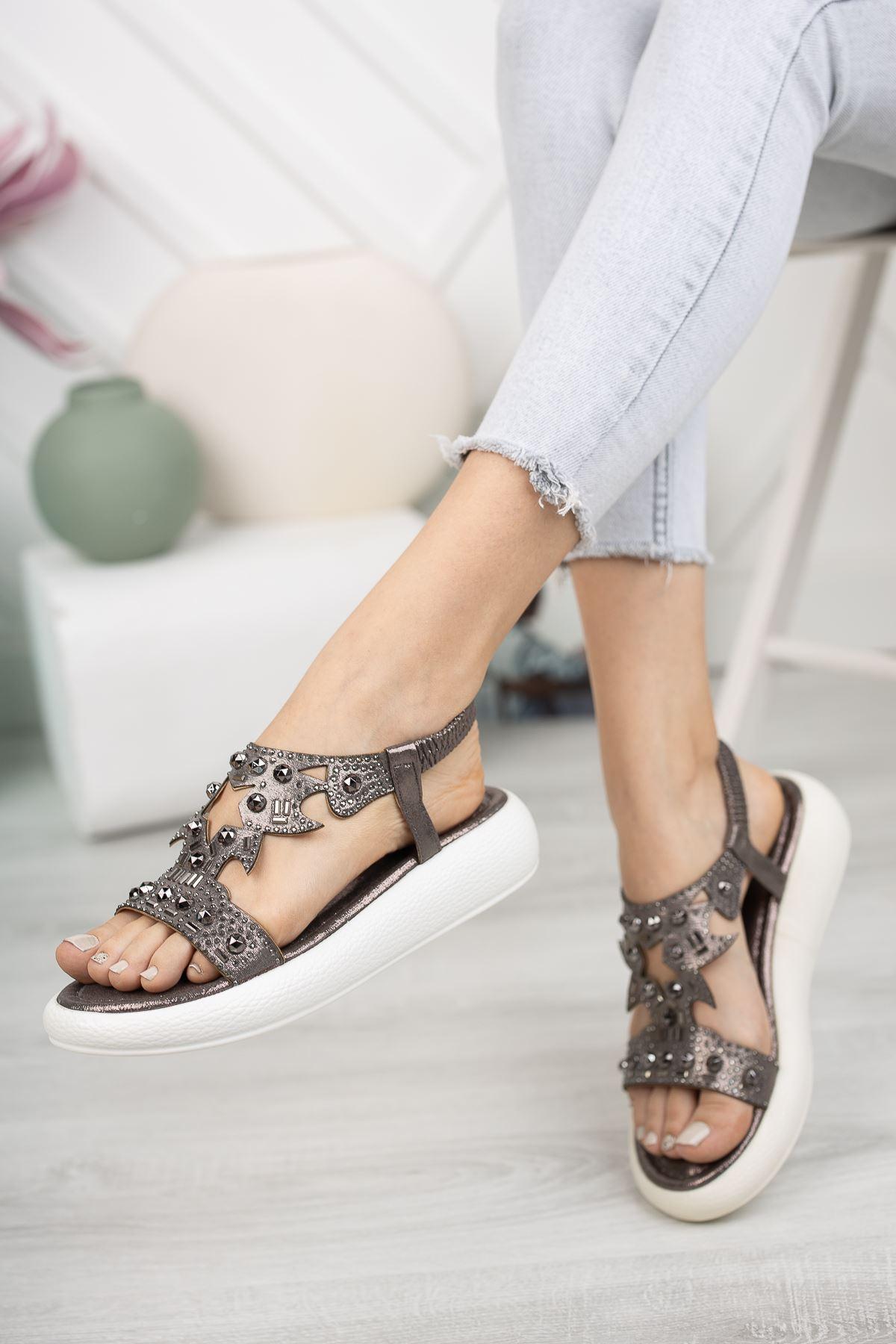 Platin Taşlı 4 Cm Taban Sandalet