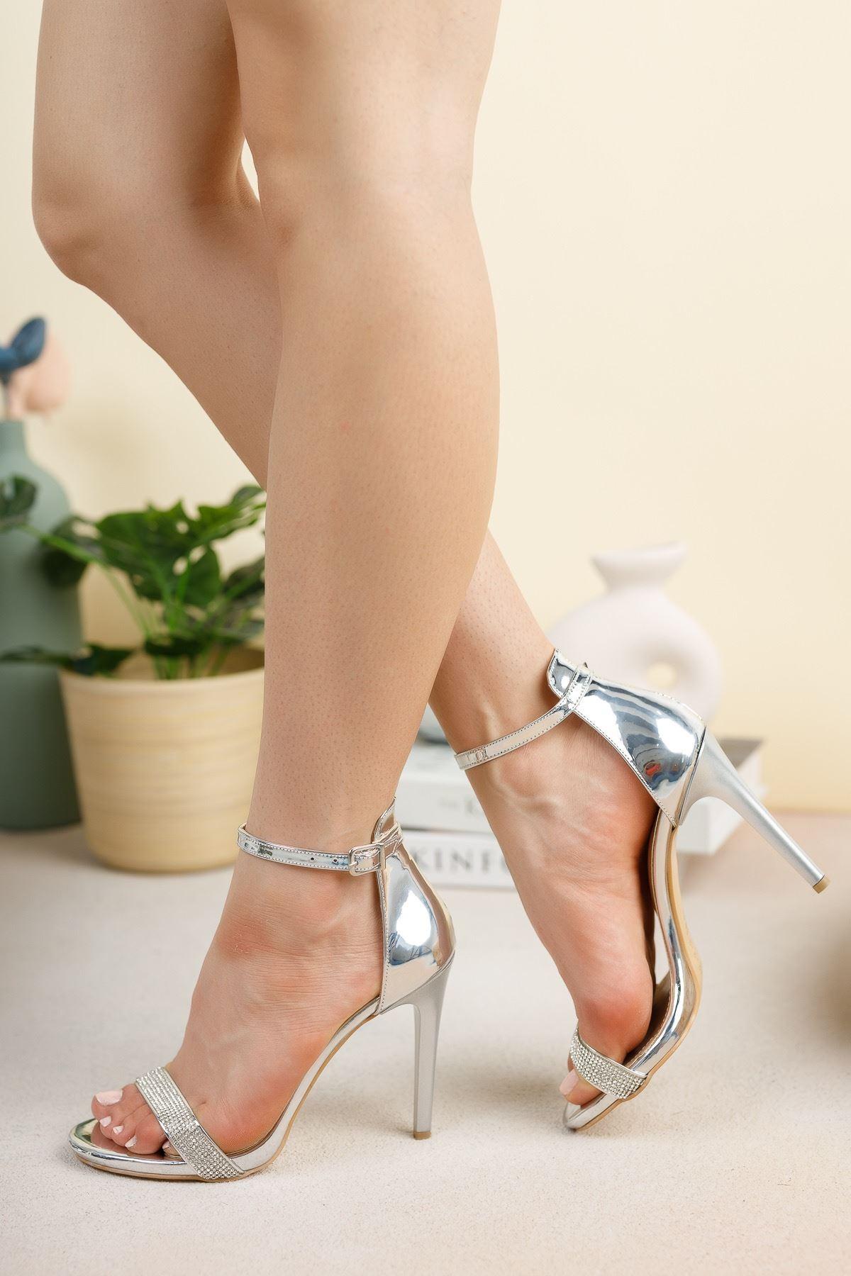 Gümüş Ayna Tek Bant İnce Yüksek Topuklu Abiye Ayakkabı