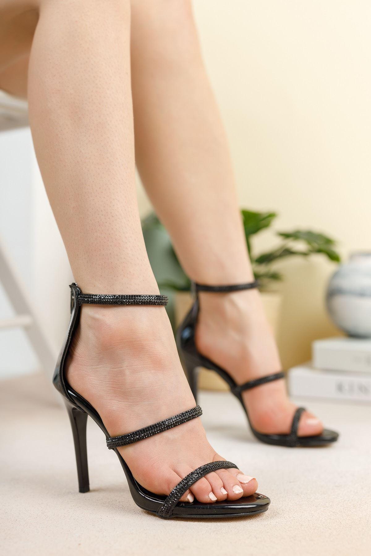 Siyah Ayna Üç Biyeli Taşlı İnce Yüksek Topuklu Abiye Ayakkabı